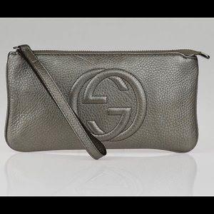 Gucci Soho leather wristlet wallet